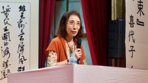 村田喜代子さんの講演「花束と筋骨」。